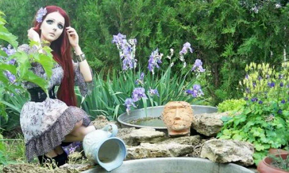 «Одеській Барбі» створює конкуренцію дівчина-аніме