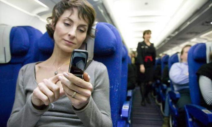 Пасажири найчастіше забувають в літаках книги і телефони