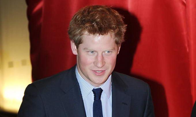 Британці роздяглися у Facebook на підтримку принца Гаррі