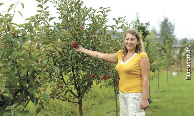 Волинянка, переїхавши з міста в село, взялась освоювати садівництво й овочівництво