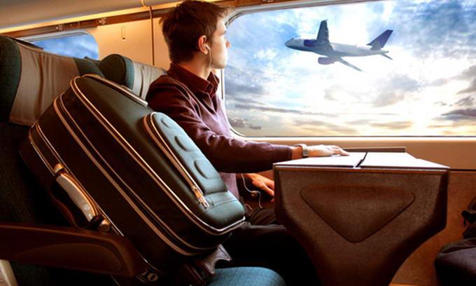 Світові авіакомпанії підвищують ціни на квитки через подорожчання пального
