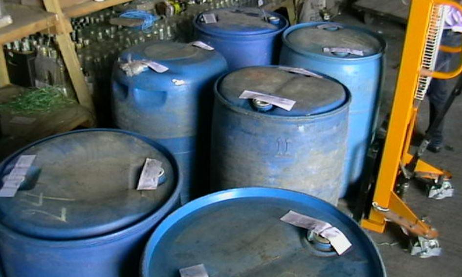 На Волині податкова міліція затримала підпільний вантаж спирту