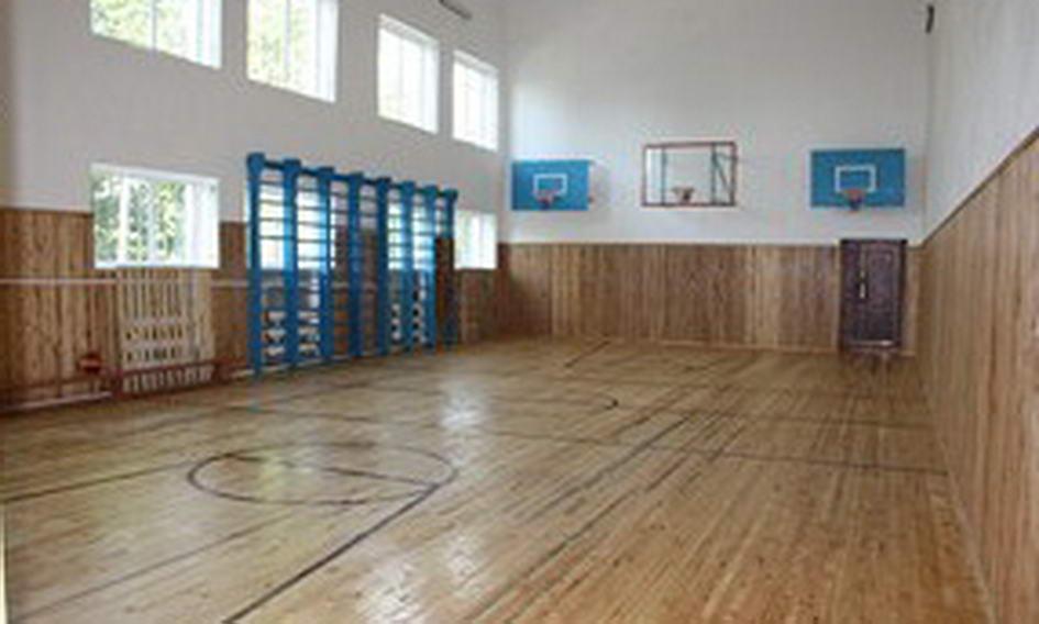 У Турійському районі оновлюють шкільні спортивні зали