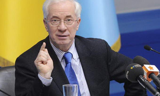 Азаров похвалився, що Україна повністю забезпечена запасами газу та продуктів на зиму
