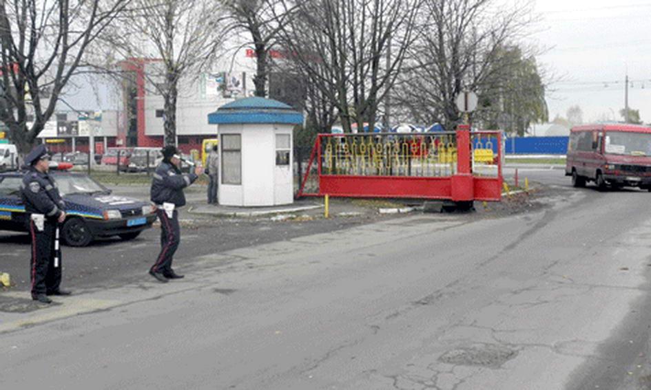 У Луцьку затримали пасажирський автобус, що перебуває в розшуку