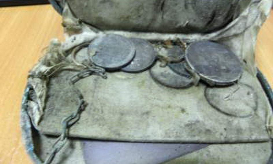 У підвалі в Луцьку знайшли скарб із золотих каблучок і срібних монет