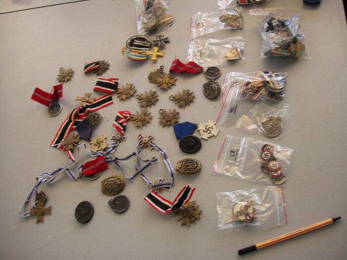 Німець хотів вивезти з України старовинні монети та ордени