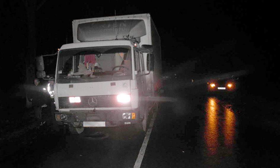 Вантажний «Мерседес» наїхав на жінку-пішохода