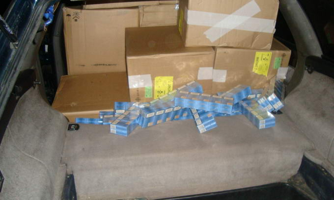 Прикордонники затримали «Ауді» з понад 30 ящиками білоруських сигарет