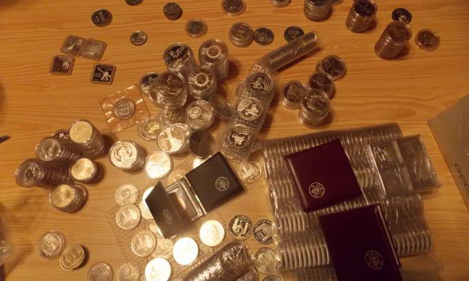 Росіянка намагалась вивезти з України понад півтисячі колекційних монет