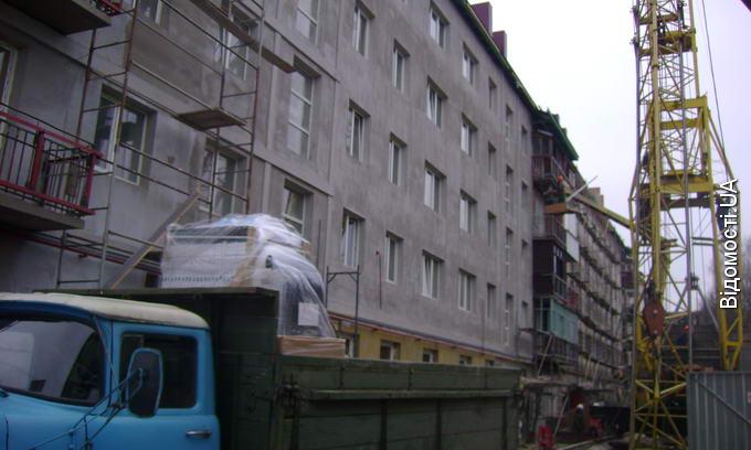 Новий рік мешканці зруйнованого будинку на Рівненській зустрінуть у відремонтованих квартирах