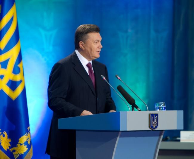 Янукович підтвердив, що Україна скорочуватиме закупівлі російського газу