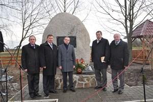 На Камінь-Каширщині встановили меморіальну дошку Лесі Українці