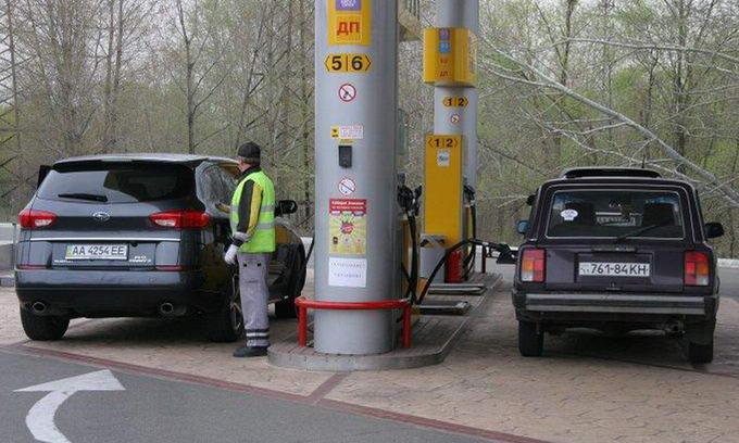 Експерти заявили, що бензин і надалі дорожчатиме