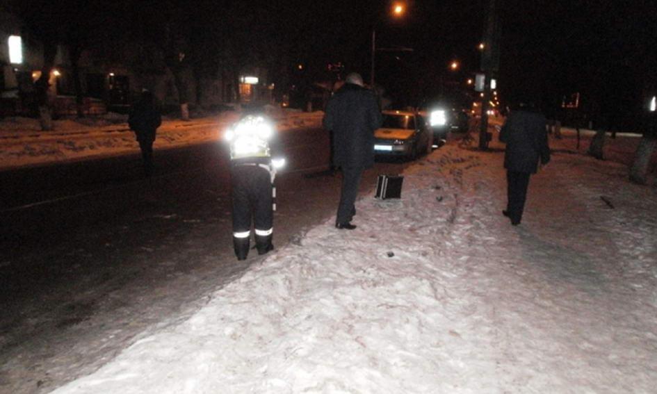 На пішохідному переході у Луцьку збили маму з сином