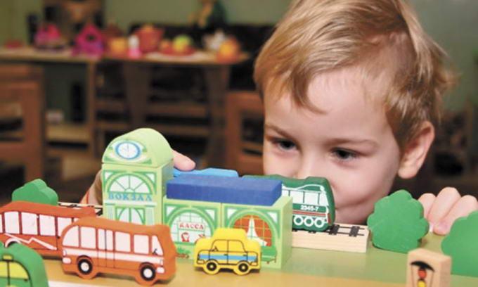 Молоде подружжя з Калущини виготовляє дитячі іграшки з еко-матеріалів (відеосюжет)