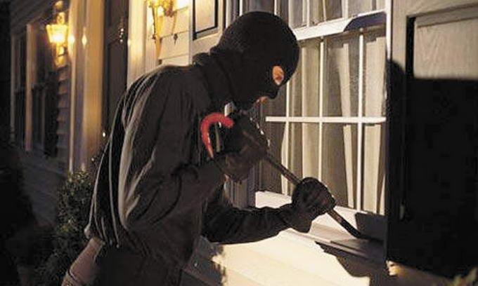 Банда молодиків грабувала будинки та кіоски в околишніх селах Луцька