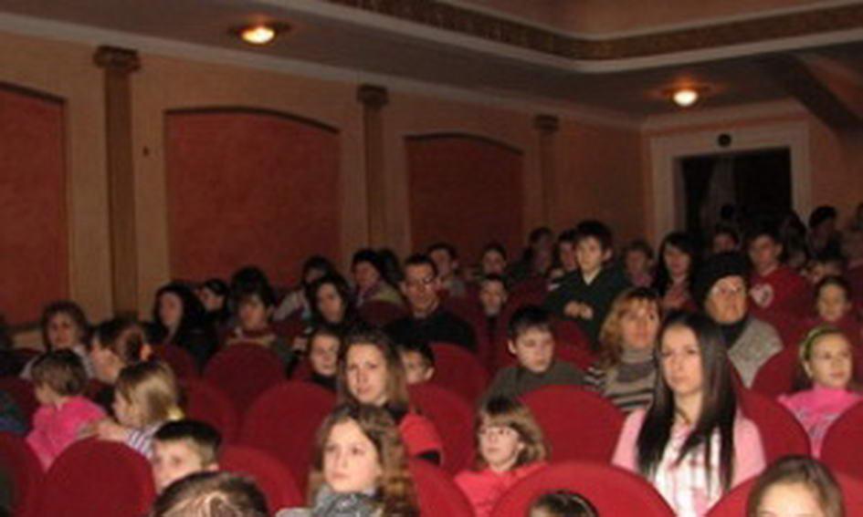 150 дітей пільгових категорій отримали різдвяні подарунки