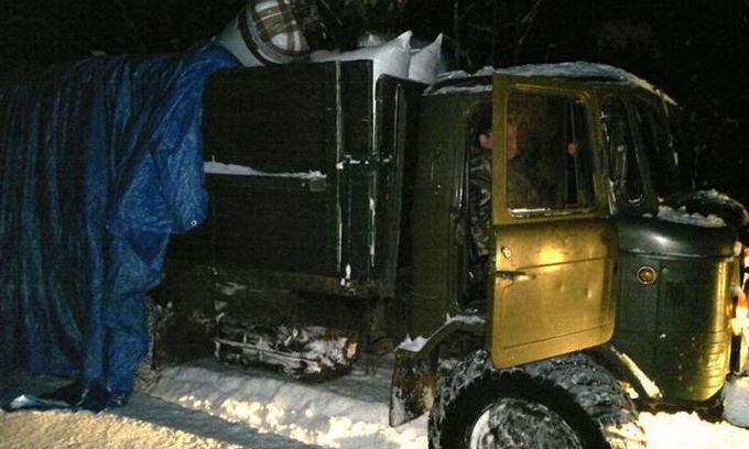 Двоє молодиків намагалися перевезти в Білорусь майже 40 тюків одягу