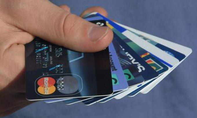 Українці стали частіше розплачуватися платіжними картками