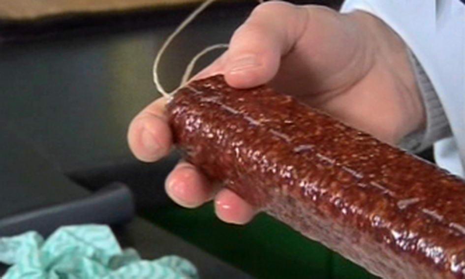 У Нововолинську виявили 1555 кг простроченої ковбаси