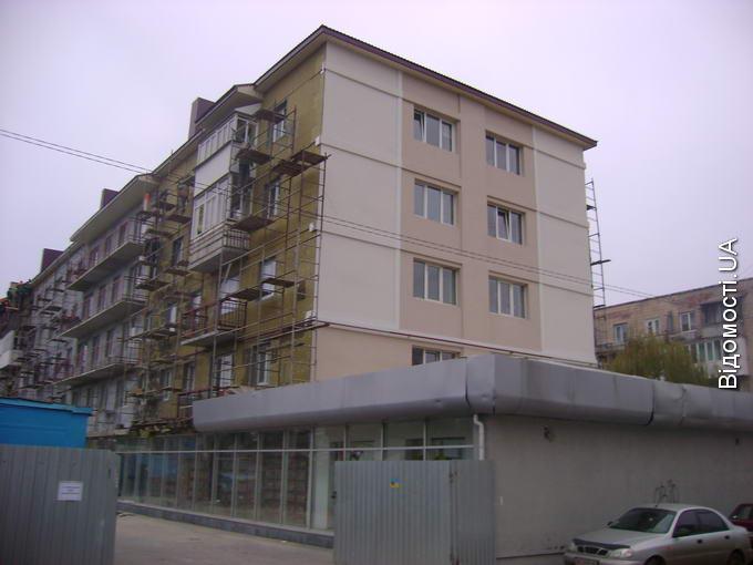 Вісім квартир на Рівненській, 109 віддали під соціальне житло
