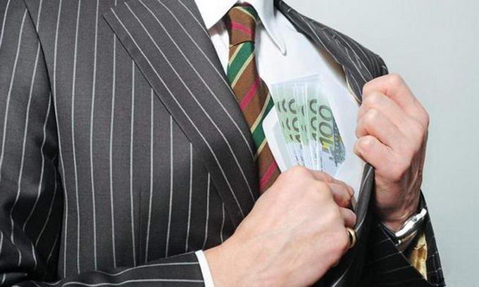 Щороку бюджет країни втрачає 20 мільярдів гривень через корупціонерів
