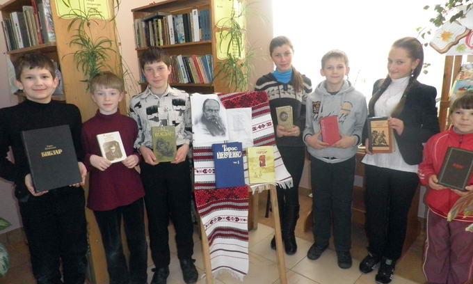 Бібліотеки Рожищенського району відмітили Шевченківські дні літературною естафетою