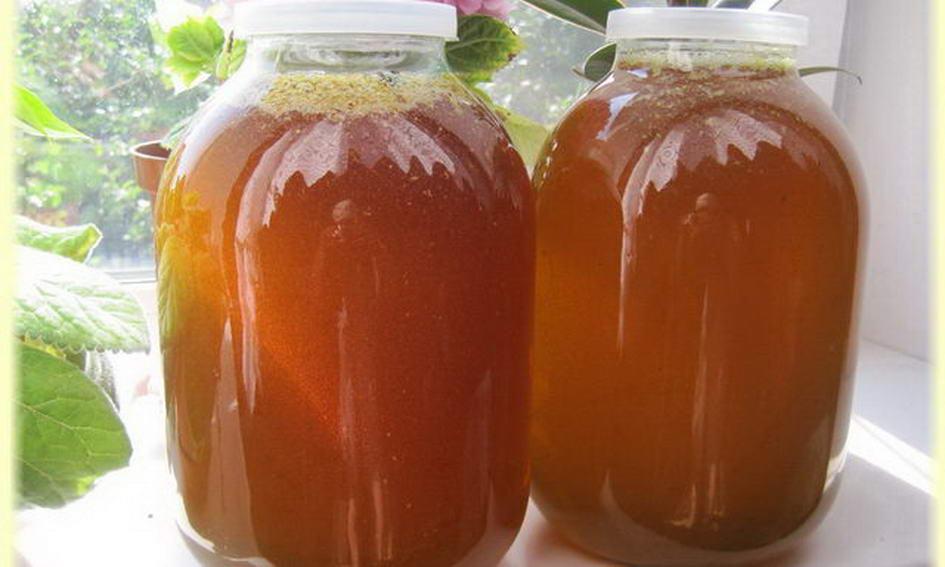 Односельчанин потягнув із гаража запаси меду