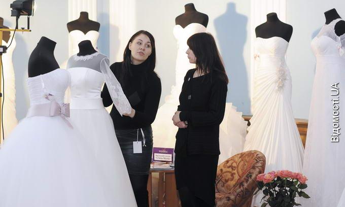 У Луцьку показали весільні тенденції 2013 року af27a10975bae