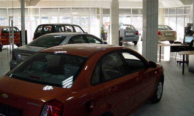 У березні автодилери продали на 60% більше іномарок, ніж у лютому