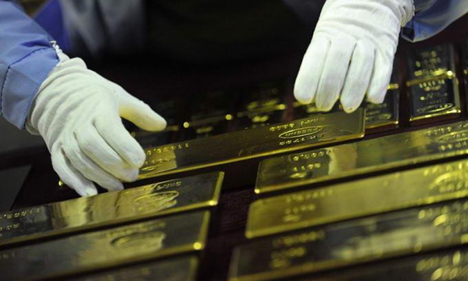 Світовий обвал цін на золото позбавив Нацбанк понад $200 мільйонів