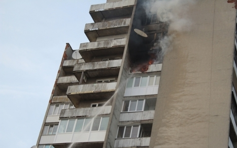 У Луцьку необережна бабця спровокувала пожежу у 15-поверхівці