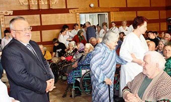 Борис Клімчук у День Перемоги відвідав госпіталь інвалідів