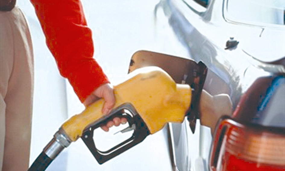 Три чверті бензину в Україні — імпорт