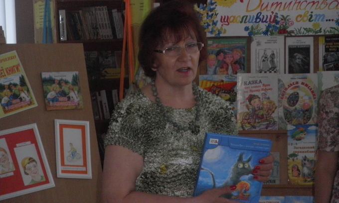 До Рожищенської бібліотеки для дітей завітала письменниця Надія Гуменюк