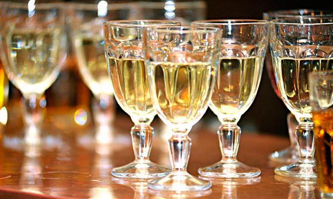 Нардепи пропонують підвищити мита на імпорт алкоголю
