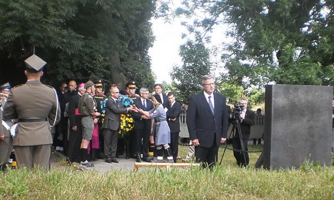 Президент Польщі вшанував жертв Волинської трагедії у селі Кисилин