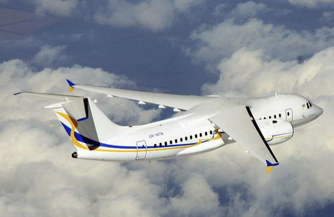 Україна покаже на аеросалоні МАКС-2013 реактивний Ан-158