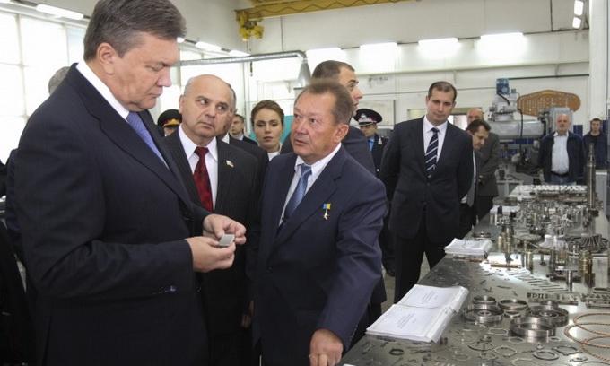 Президент відвідав ремонтний завод «Мотор»
