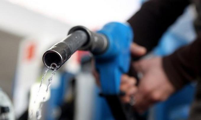 Виробництво бензину з початку року скоротилося майже вдвічі