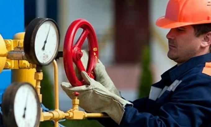 Перш ніж Україна отримає словацький газ, остання повинна домовитися з «Газпромом»