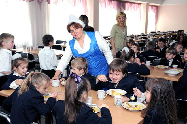 На харчування луцьких школярів мерія виділяє найменше грошей в Україні