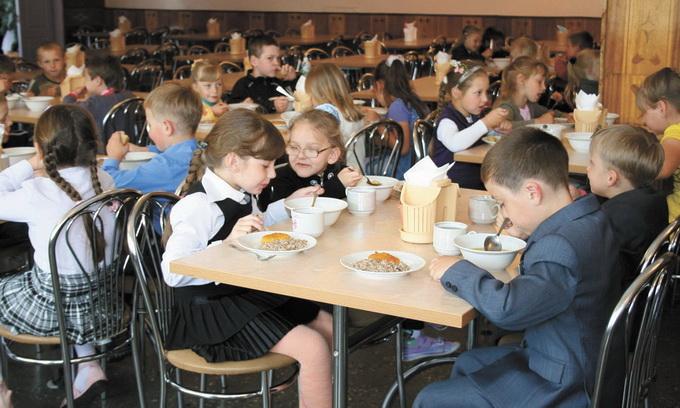 У луцьких школярів достатньо калорійне та вітамінізоване харчування