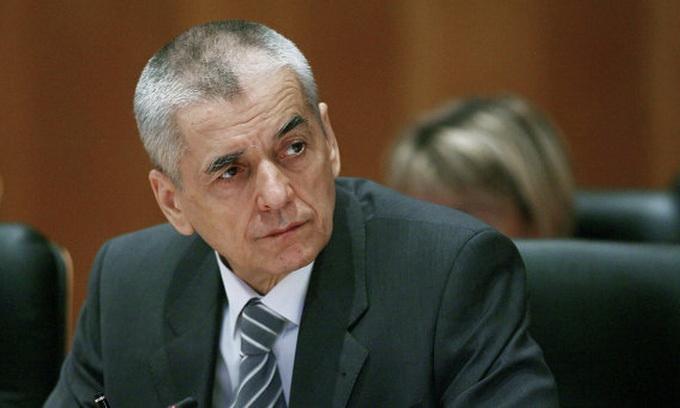 Гроза українських солодощів Геннадій Онищенко пішов у відставку