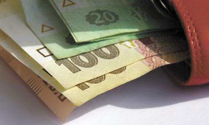 Середня зарплата на Волині становить 2550 гривень