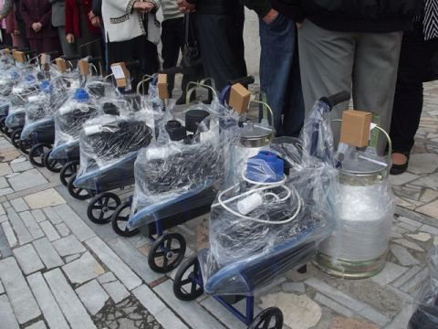 Любешівські чиновники повернули гроші селянам за доїльні апарати, яких вони не купували