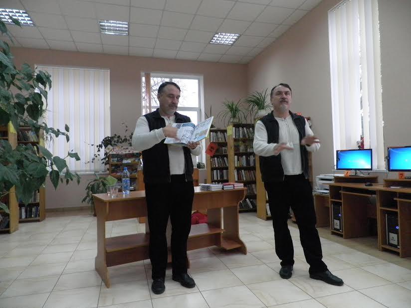 Рожищенську дитячу бібліотеку вдруге відвідали брати Капранови