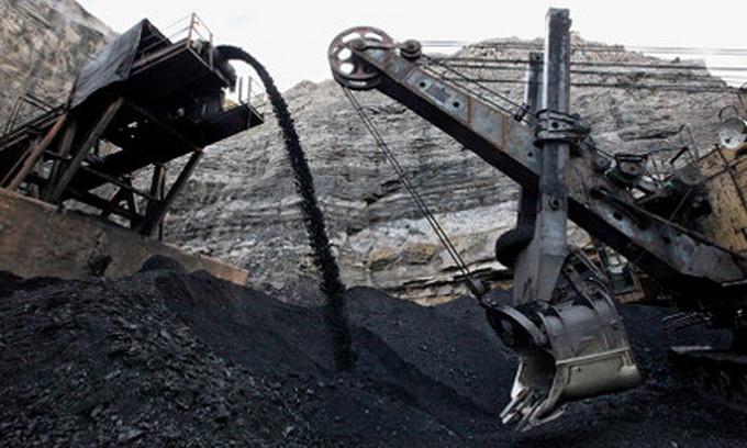 Промислове виробництво в Україні продовжує падати