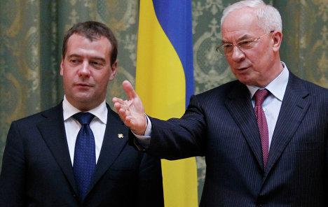 Азаров обговорить з Медведєвим відновлення товарообігу між Україною та Росією